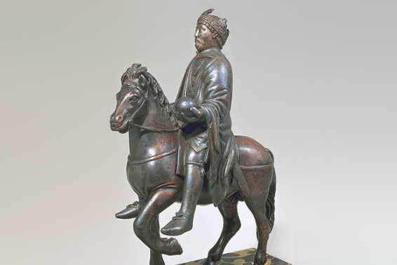 Статуя в музее Лувр